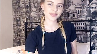 Brazzers xxx: 19 Year Old Teen Shows Her Perfect Tits On Webcam
