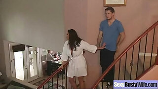 Brazzers xxx: Sex Act With her Huge Tits Housewife kendra lust movie 18