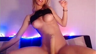 Brazzers xxx: Russian Girl playing with Machine on cam More on hotcamgirls.co