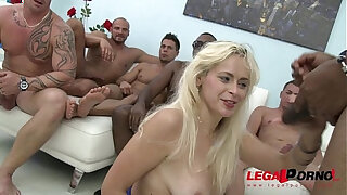 Brazzers xxx: Vittoria Dolce savage gangbang, she cant hold back her screams!