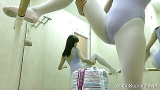 Brazzers xxx: beautiful naked girls in the dressing room