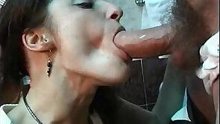 Brazzers xxx: Sex in the Toilette!