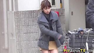 Brazzers xxx: Japanese hos public pee