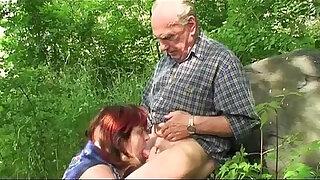 Brazzers xxx: Granny and Grandpa fuck outdoor