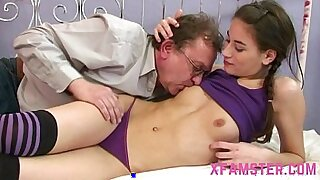 Brazzers xxx: Amateur Teens Huge Dildo Pussy Pounded