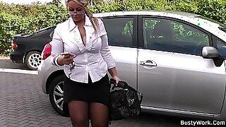 Brazzers xxx: Chubby Blonde Nympho Spreads Legs
